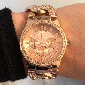 Super cute rose gold watch.